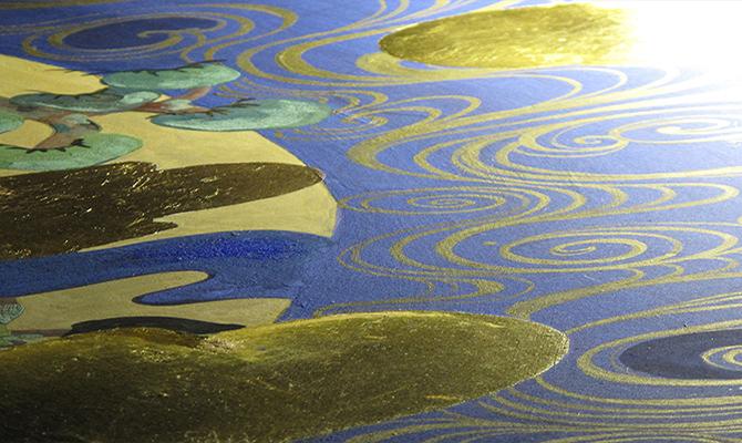 青と金の帯の柄